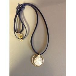 collier communion  avec vierge en nacre et anneau plaque or