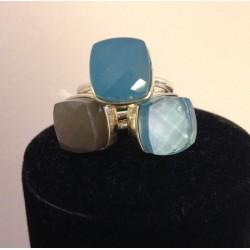 Bague en argent et pierre par trois nuances agate grise- topaze bleue-  calcedoine