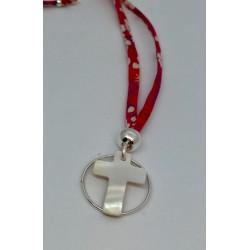Collier croix nacre cercle plaqué or lien gris